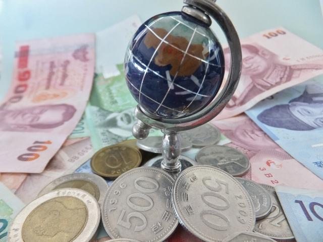 輸出売上や輸入仕入の経理処理に使う為替レートと仕訳方法について解説